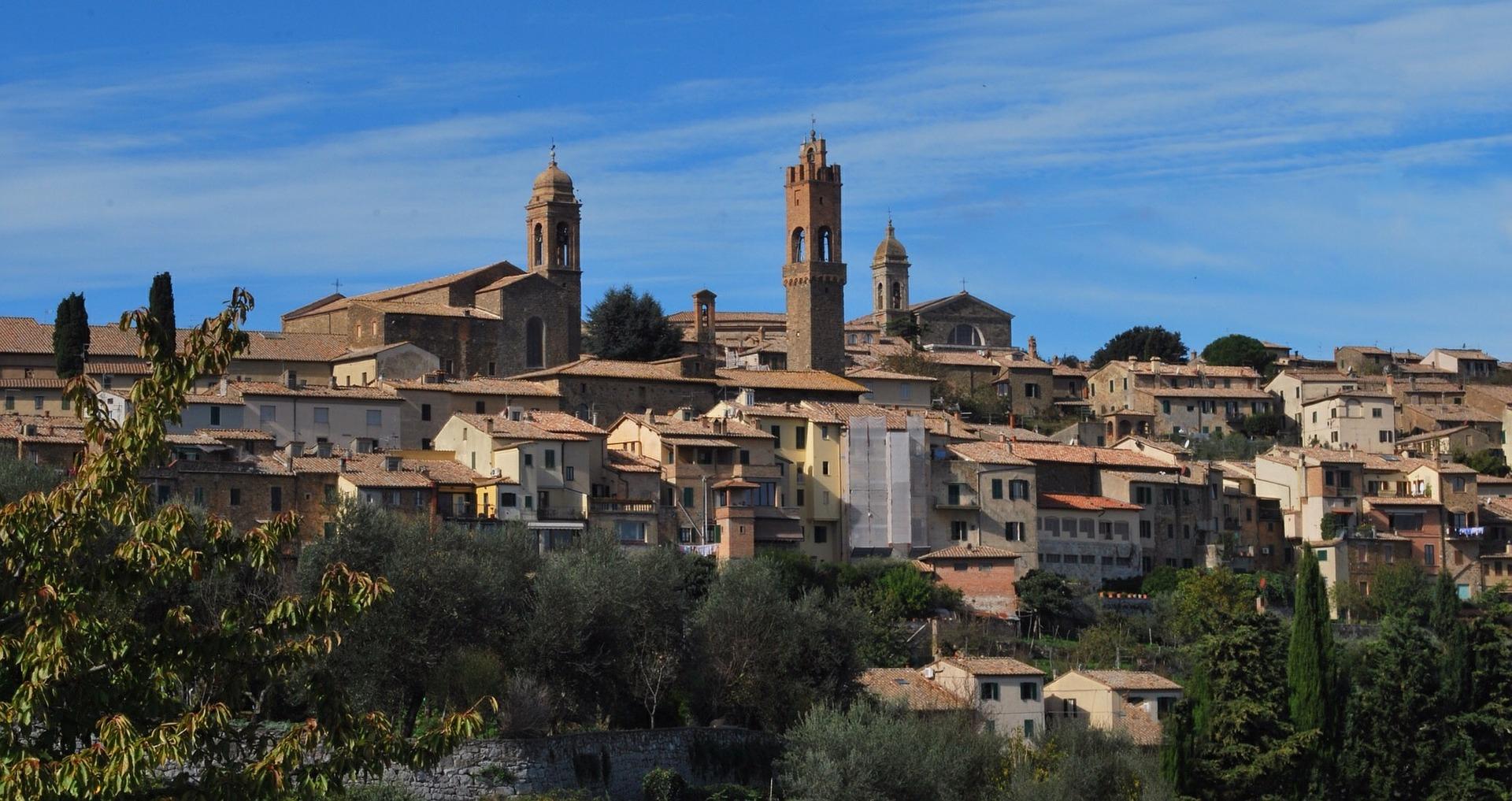 Montalcino photo by pixabay RossanoValeri