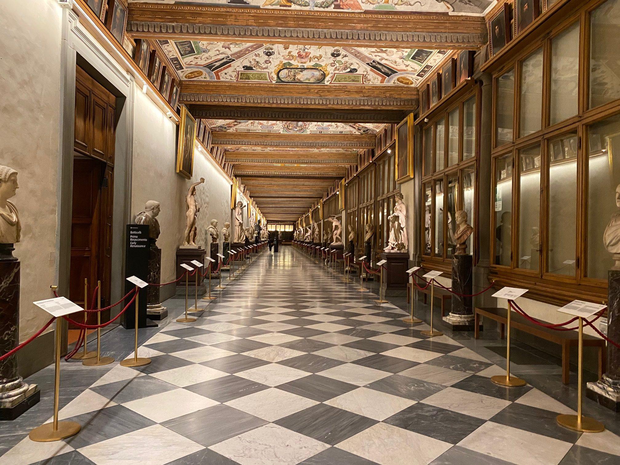 La Galerie des Offices et ses couloirs
